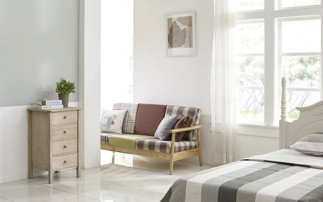 be a better homeowner by keeping your living spaces free of clutter